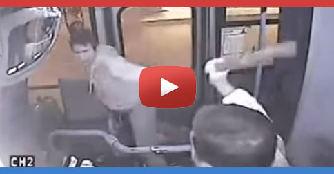 A bus burglar tries to rob a woman but the bus driver stops it. [Video]