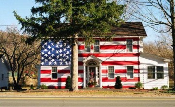 HOA Won't Let This Homeowners Fly Their Flags, Their Response Is EPIC…