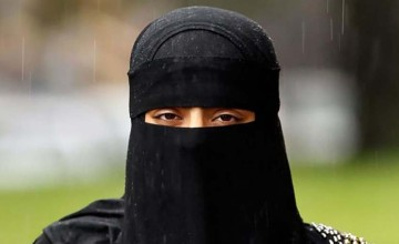 woman_refuses_headcovering