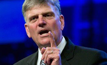 Franklin Graham REBUKES Candidates, Debate Moderators, AND Media!!! BOOOM!!!