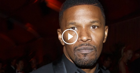 Jamie Foxx takes Hollywood elites to school