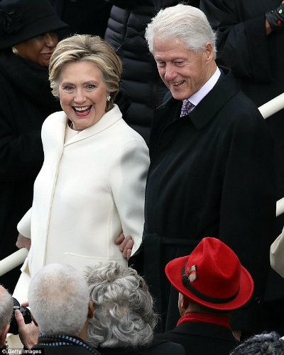 The Clintons do not look finished