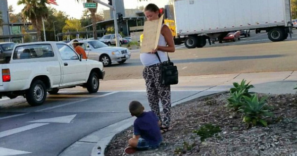 Pregnant 'Homeless' Mother Begs For Money, Then Seen Driving Away In...